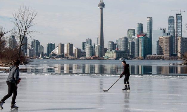 Isleños en Toronto: un mundo aparte a diez minutos del centro