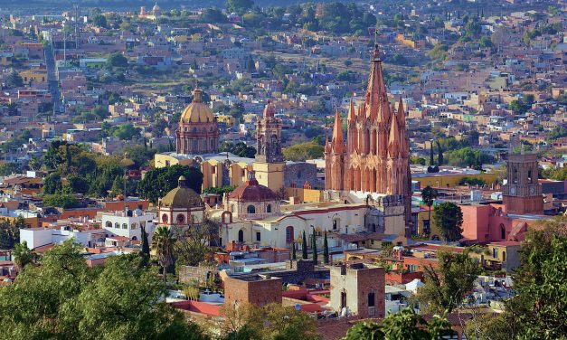 Tennis, Gin Tonic, and NAFTA Negotiations: San Miguel de Allende and a New North America