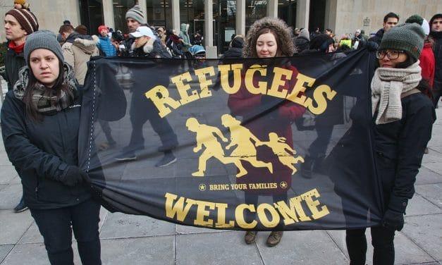 Hay que ser solidarios con los refugiados que están llegando al país