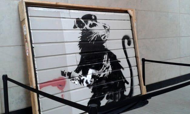 La obra de Banksy toma Toronto por partida doble… y con polémica