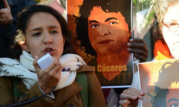 <span style='font-size:13px;'>OPEN DEMOCRACY</span><br> América Latina, la región más mortífera para los defensores del medio ambiente