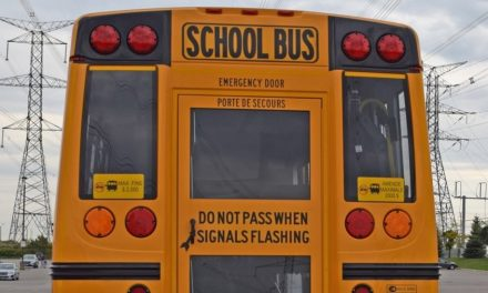 El gobierno de Ford recorta fondos para programas escolares especializados