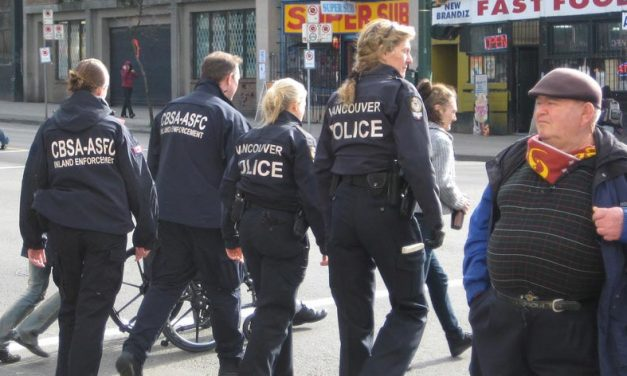 En otoño, Canadá comenzará a controlar la salida de personas