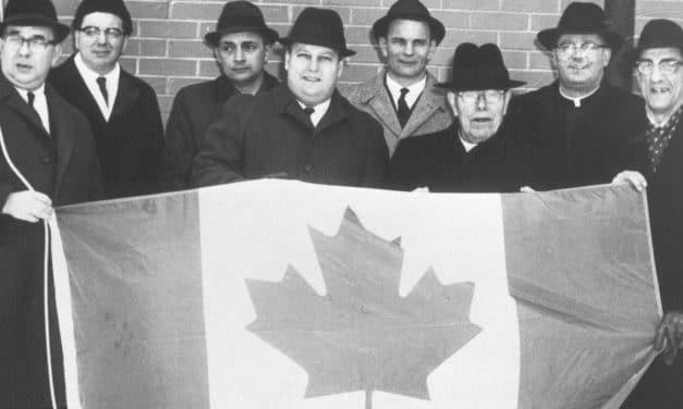 ¿Por qué la bandera de Canadá tiene una hoja de arce?